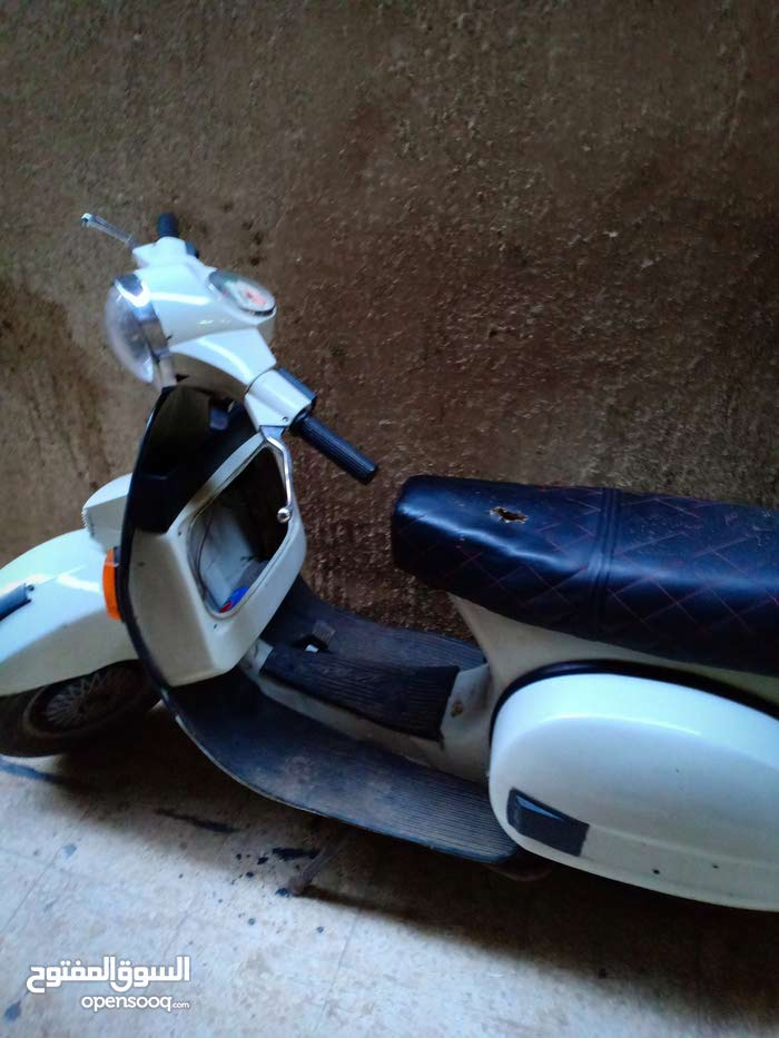 Vespa motorbike for sale directly from the owner