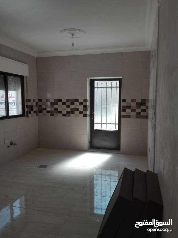 شقة للبيع في الجندويل بمساحة 125م2 + تراس امامي + كراج خاص