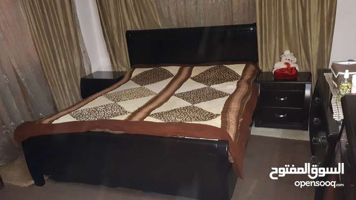غرفت نوم لاتيه قشرة بلوط و زان مدهونه ايطالي استعمال بسيط