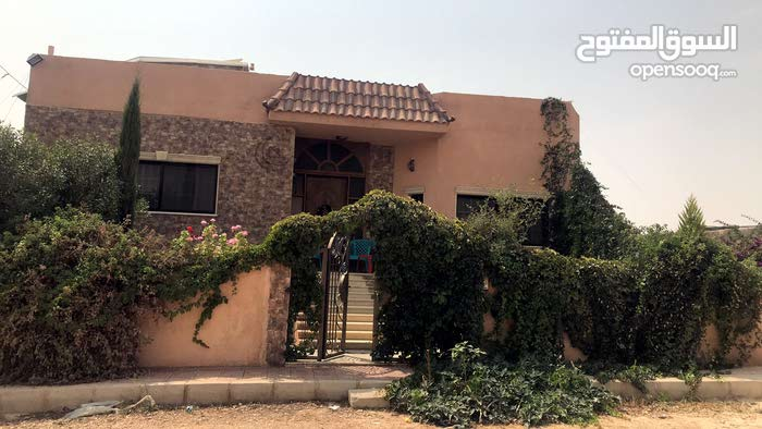 Best property you can find! villa house for sale in Khirbet Sooq neighborhood