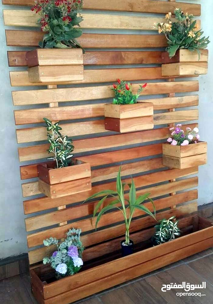 حائط خشب مميز للجنينة ارتفاع متر عرض 1.3 متر غمق. 43 سم