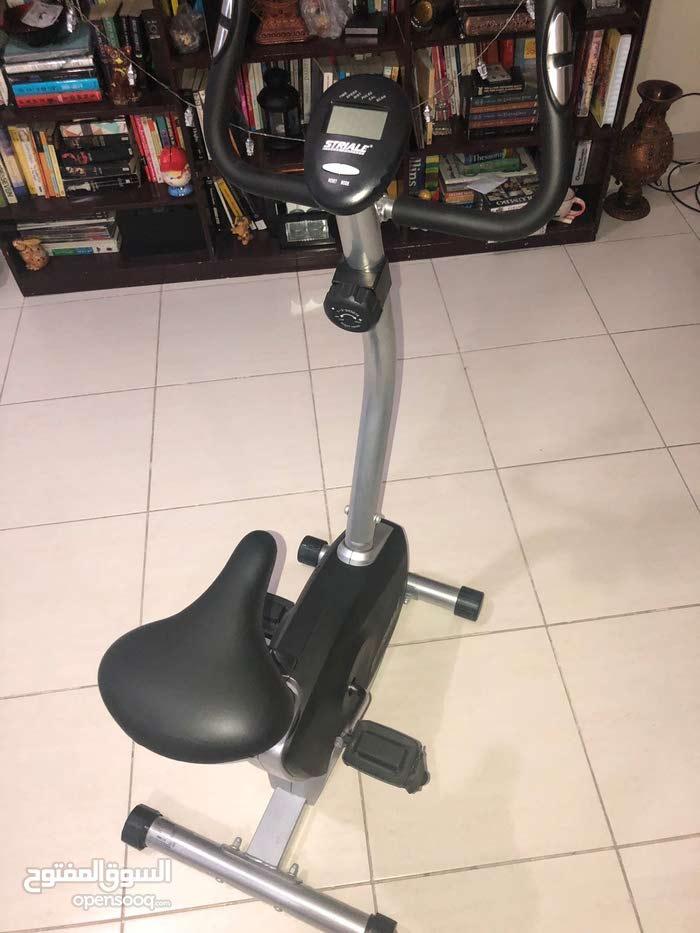 دراجة رياضة شبه جديدة