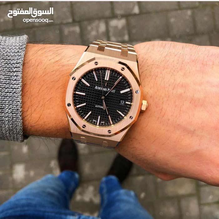 عاوز ساعة بالتصميم ده جديد أو مستعمل