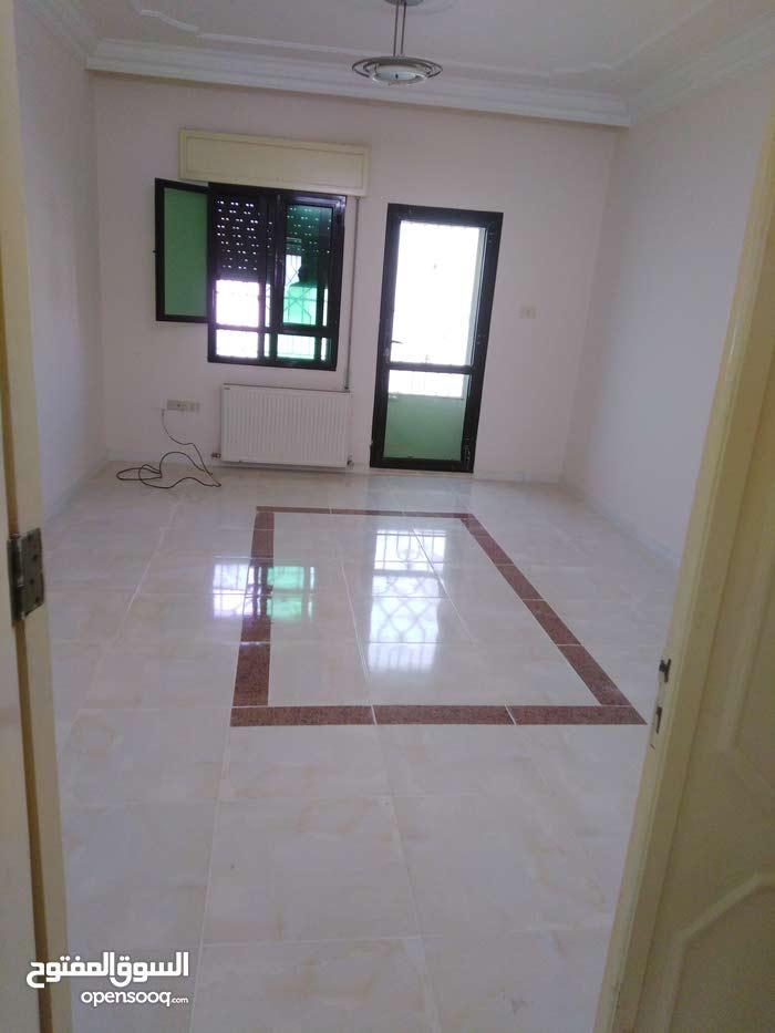 شقة فارغة للايجار تلاع العلي 175م 3نوم 3حمام صالون 4000