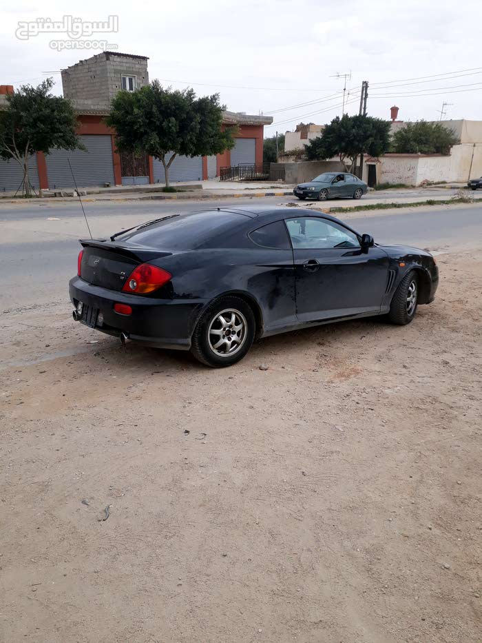 Hyundai Tuscani in Gharyan