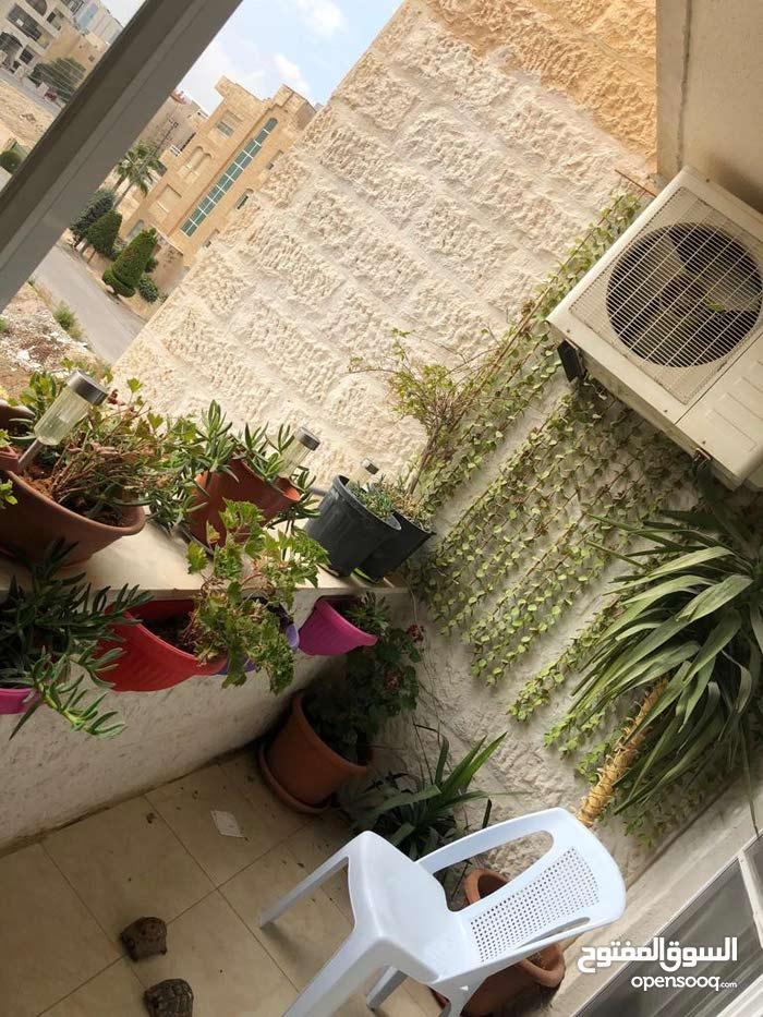 شقة 125م في ام السماق شارع المدينة المنورة قرب مطعم سينترو مفروشة