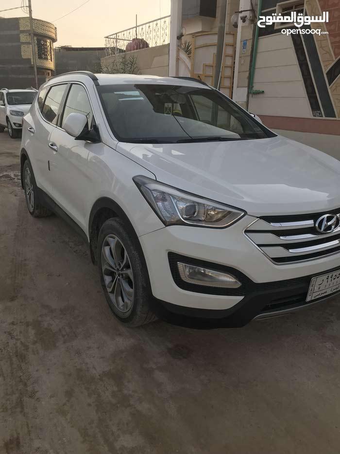 Used condition Hyundai Santa Fe 2015 with 1 - 9,999 km mileage