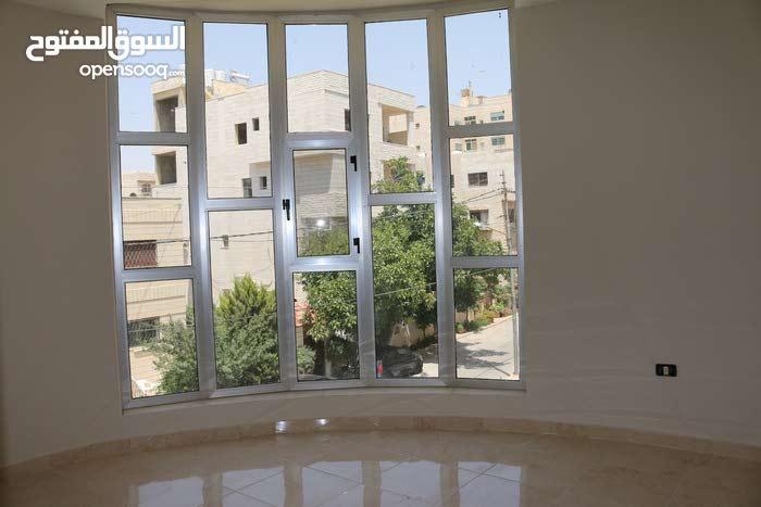 استديوهات مفروشة ذات مواصات عالمية للبيع من المالك مباشرة خلف الجامعة الاردنية كلية الهندسة