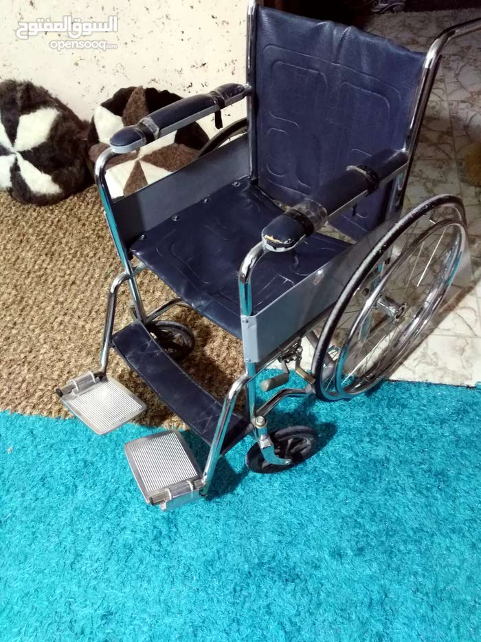 كرسي متحرك للبيع لذوي الاحتياجات الخاصه لكبار في السن