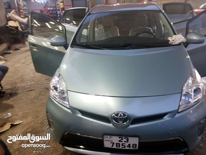 Toyota Prius car for sale 2012 in Irbid city