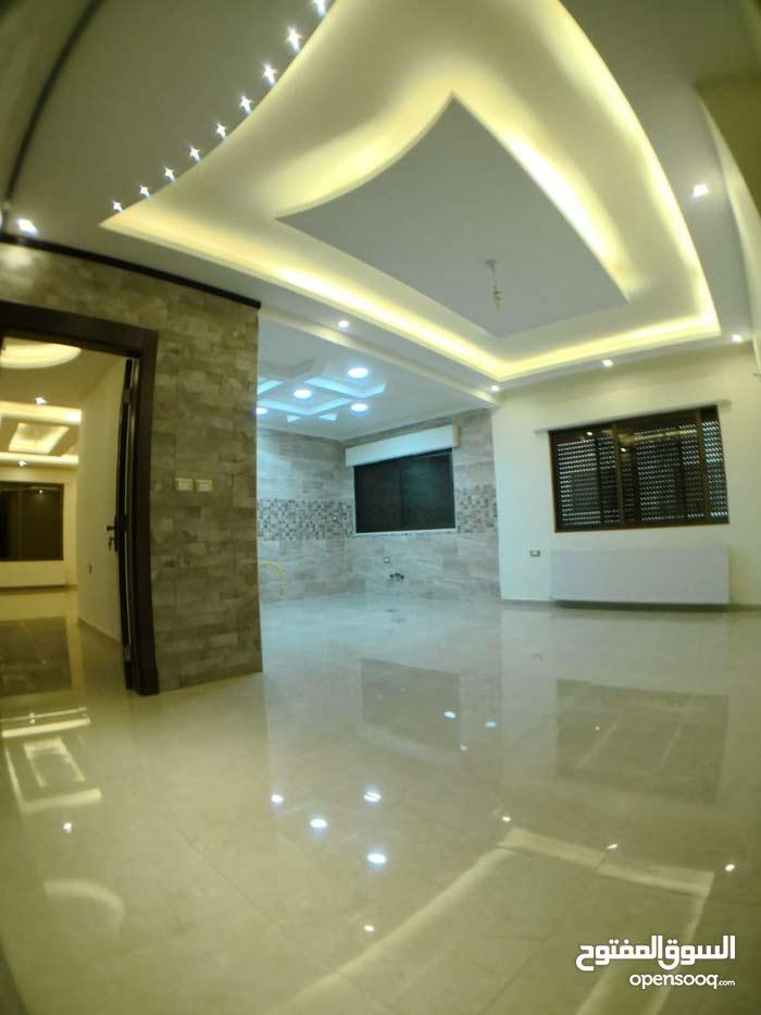 شقة جاهزة للتسليم للبيع في شفا بدران -الكوم مساحة 170 متر ..