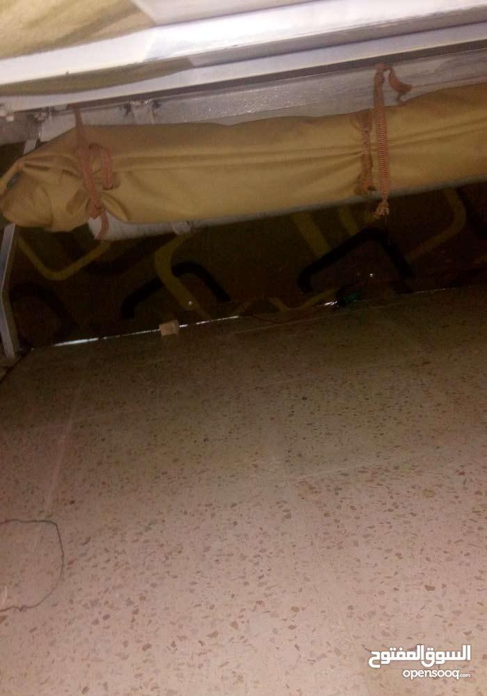 غرفة بكب بداخلها خزان ماء سعة 40 لتر و خيمة 3 متر للبيع او للبدل على خنط مع كوشك