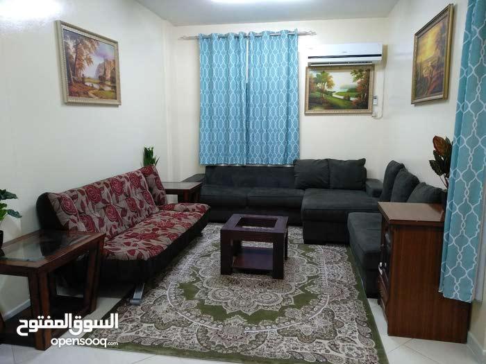 شقة مفروشه غرفة وصاله كبيره عجمان النعيميه