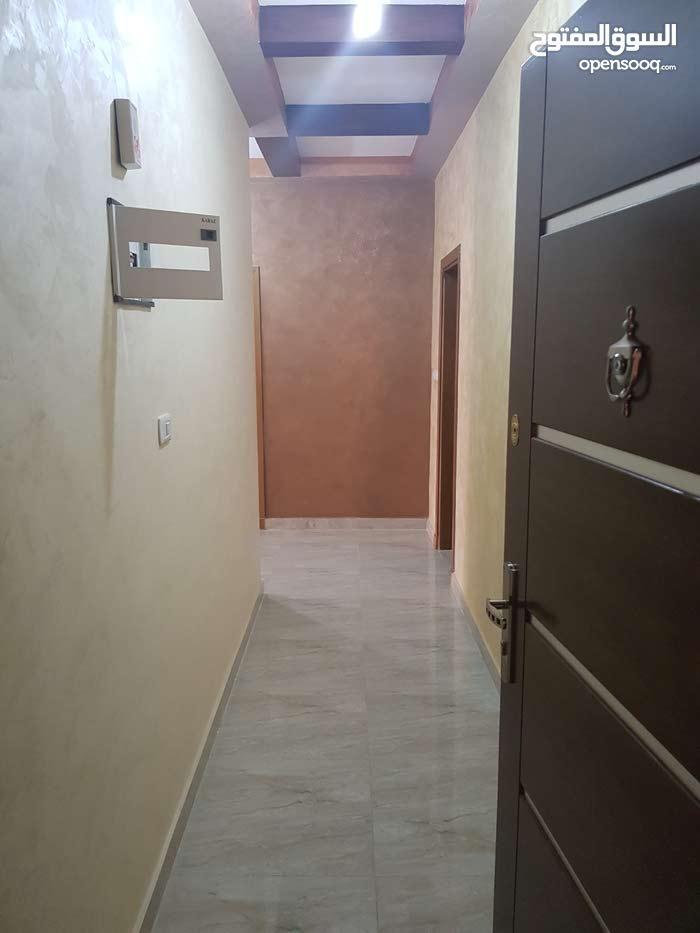 شقة 180 في طبربور خلف السهل الاخضر  بأسعار مميزة