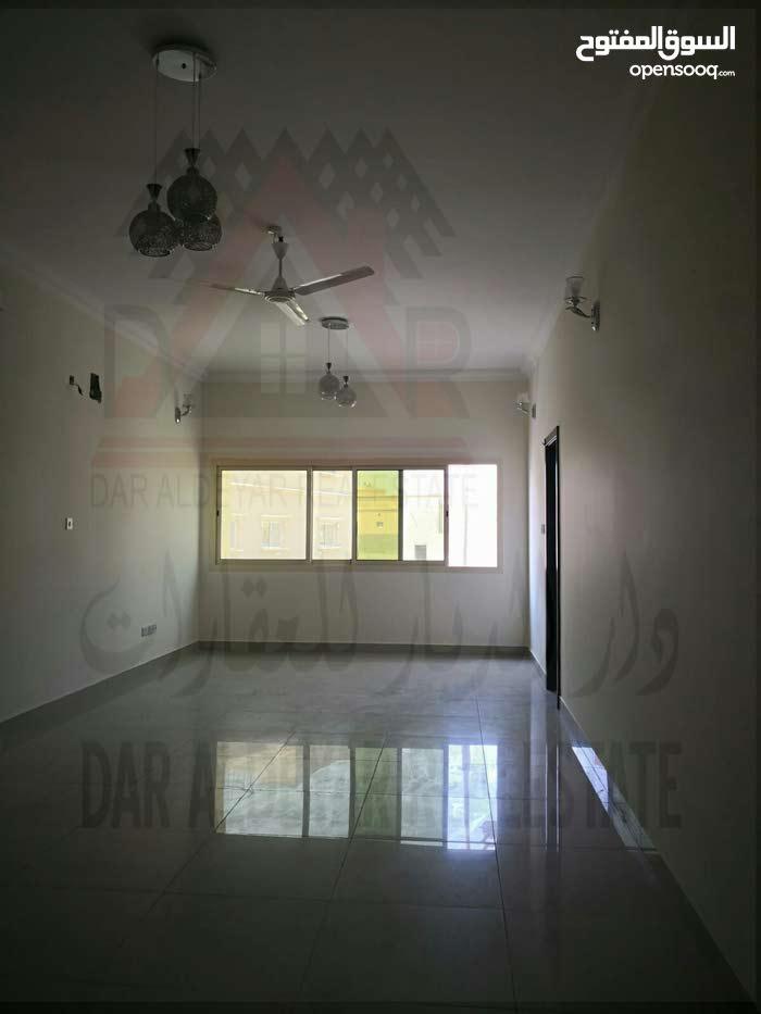 للايجار شقة واسعه في البسيتين من 3 غرف