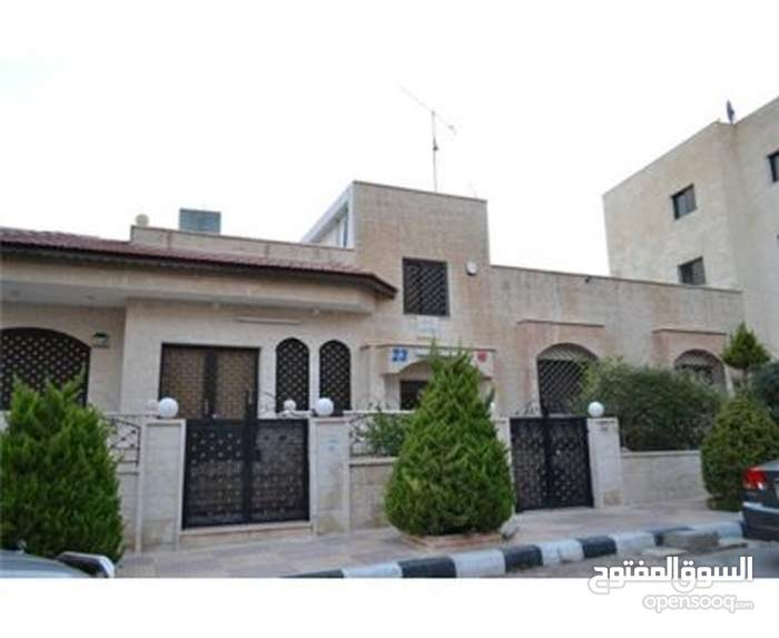 Villa property for sale Amman - Um El Summaq directly from the owner