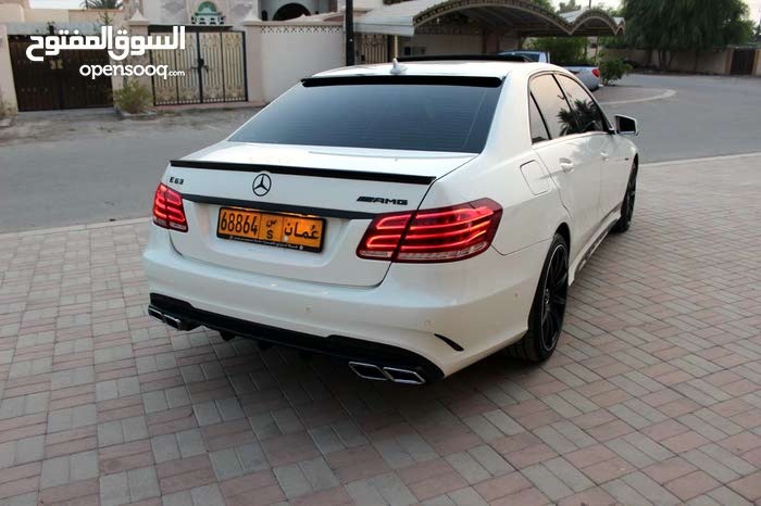 Used condition Mercedes Benz E 350 2011 with 160,000 - 169,999 km mileage