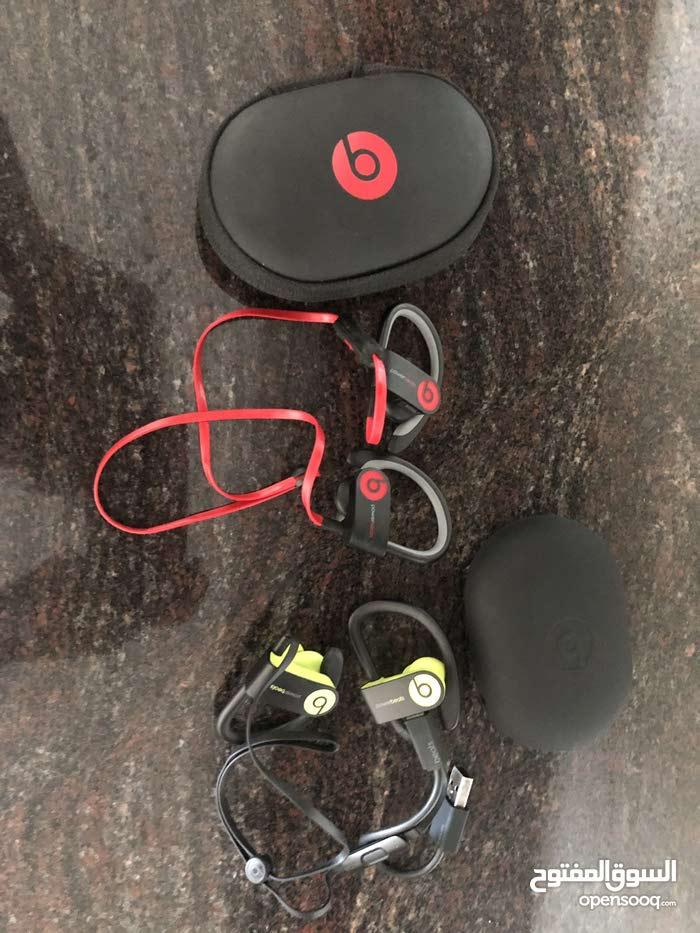 Powerbeats  3    earphones