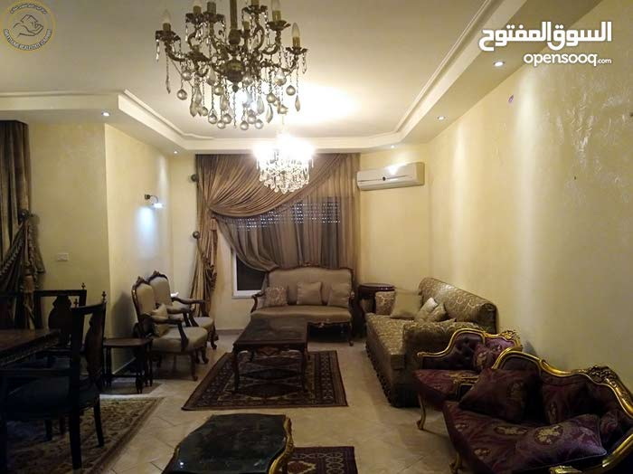 شقة مميزة للبيع في الجندويل طابق اول 230م بسعر 115000