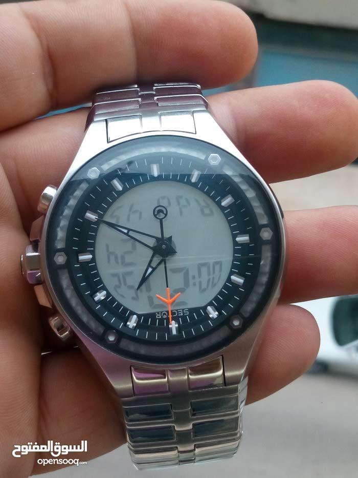 ساعة فخمة من شركة سيكتور السويسرية
