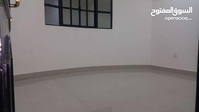 شقة للايجار منطقة عراد 220