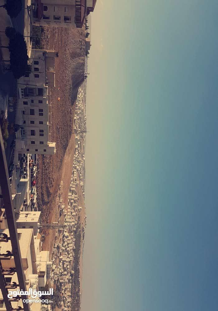 شقة للبيع  حي الخزنه  قبال الجامعة العربية المفتوحه  (طبربور)