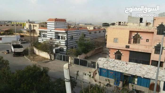 مصنع ثلج+كونسروة للبيع في حسياء الصناعية حمص