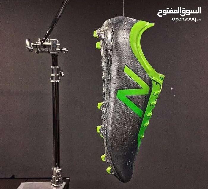 حذاء لاعب الهلال ادواردو من شركة نيو بالانس