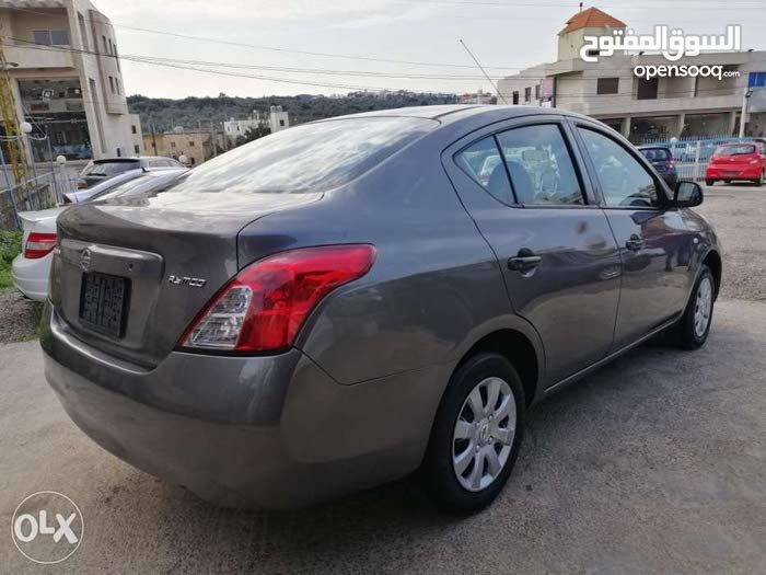 nissan sunny , model 2015 , price : 8500 $