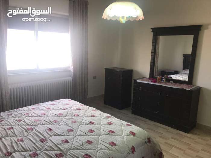 شقة للاجار في ام اذينة 200م 3 نوم بسعر مغري