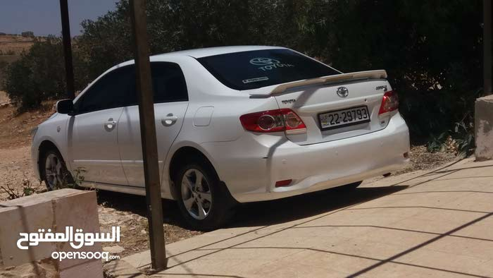 Toyota Corolla 2012 For sale - White color