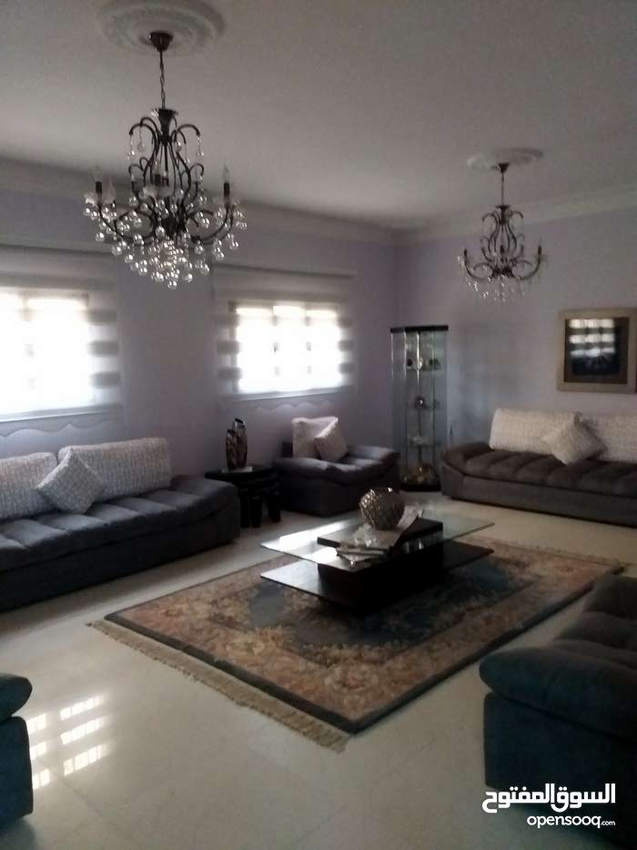 3 Bedrooms rooms 2 bathrooms apartment for sale in BenghaziAl-Fuwayhat
