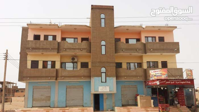 شقه للايجار في حي  الازهري 8