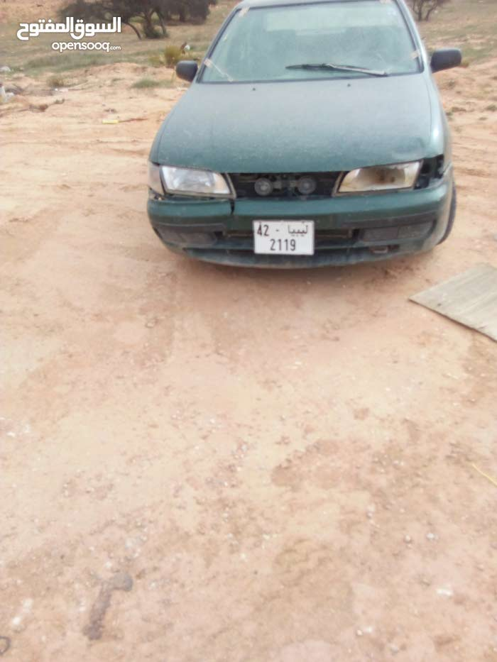 Manual Green Nissan 2004 for sale