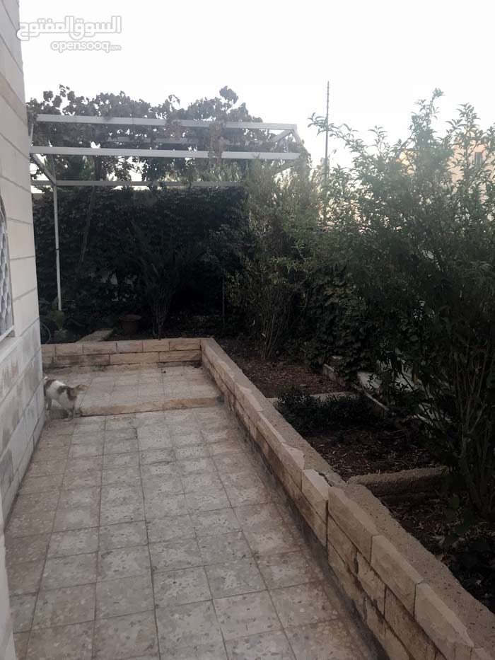 A 5 Rooms Home for sale in Zarqa