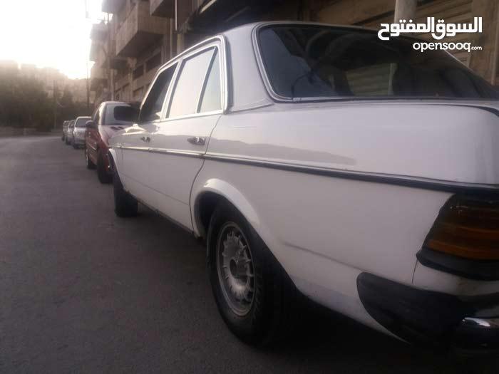 Mercedes Benz E 200 car for sale 1984 in Amman city