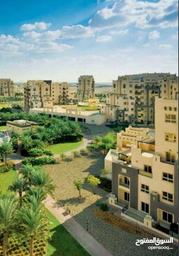 الان بادر باقتناء وحده سكنيه متميزه بدبي لاند بين شارع حصه وشارع الامارات بسعر مميز