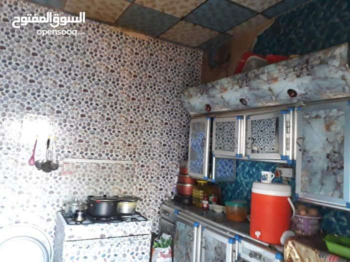 Second Floor  apartment for sale with 5 rooms - Basra city 5 Miles Camp