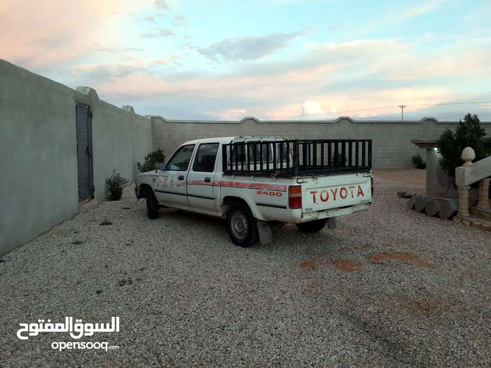 Toyota Hilux 1997 For sale - White color