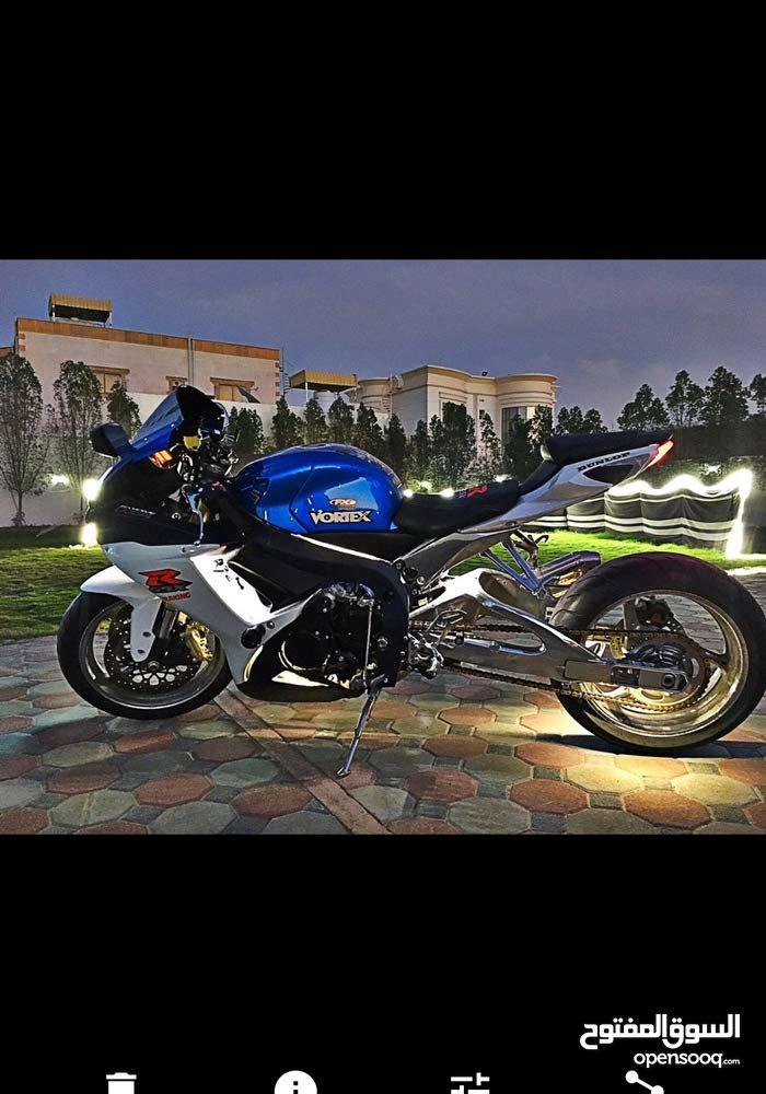 Used Suzuki motorbike available in Shinas