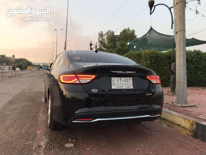 Automatic Black Chrysler 2016 for sale