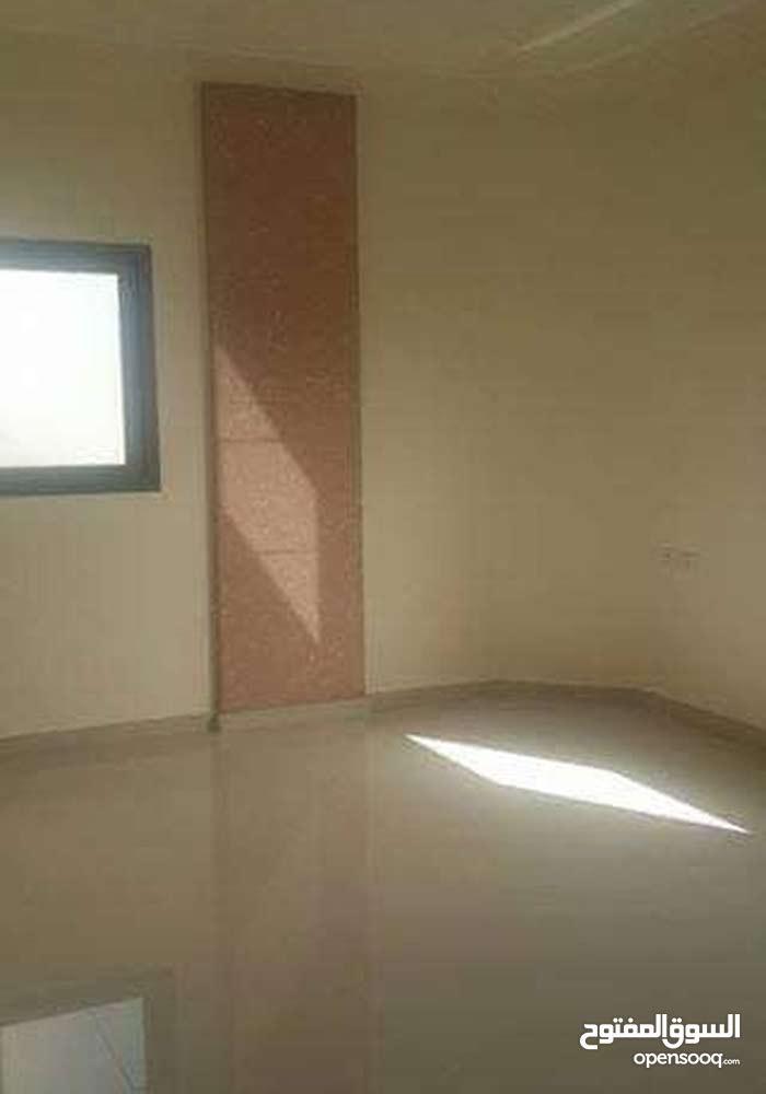 شقة للايجار,سوبر ديلوكس مساحة 200متر عمارة هادئة وخدمات منيزة