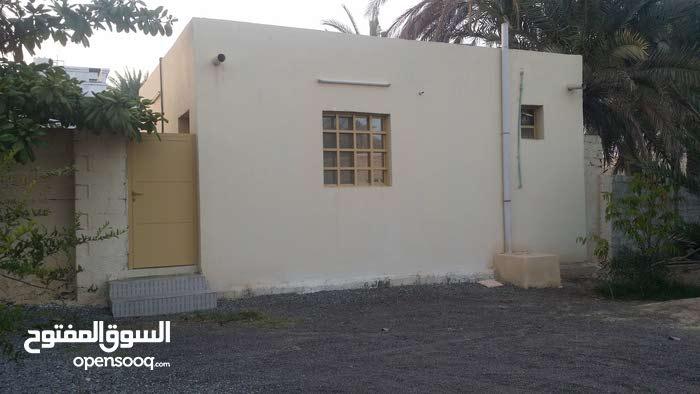 غرفة الايجارمع دورةمياءومسبح ومطبخ وغرفة كبيرة عن غرفتين في ولاية صحم