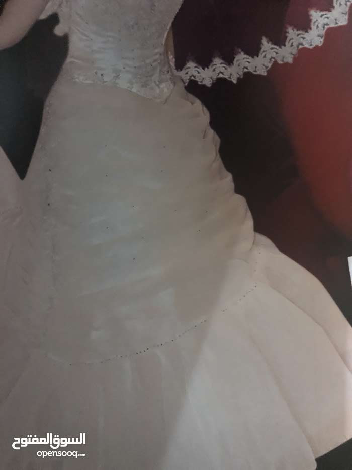 فستان زفاف من رهيد