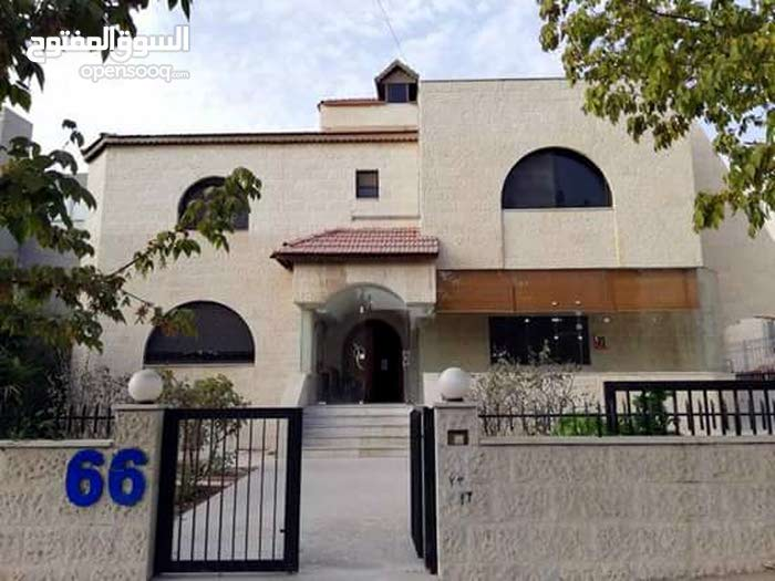 More rooms More than 4 bathrooms Villa for sale in Amman