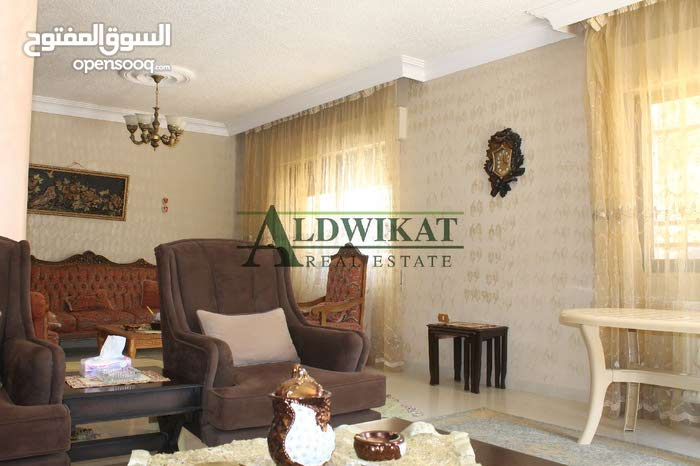 Al Fuhais neighborhood Amman city - 220 sqm house for sale