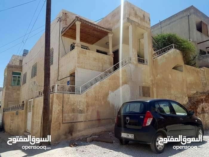بيت مستقل للبيع في طبربور بسعر مناسب