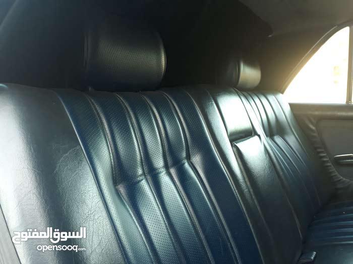 For sale Mercedes Benz E 200 car in Irbid