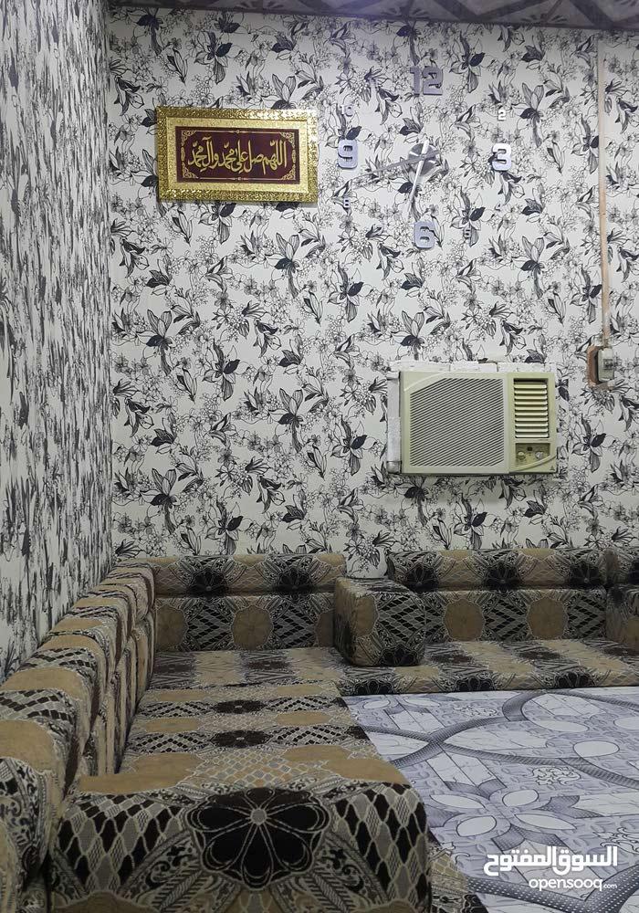 بيت للبيع في منطقه الجاهزه البناء 4غرف وهول كبير وديوانيه