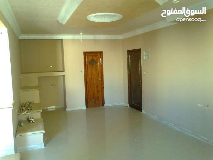 شقة 150 م نظيفة للبيع أو للإيجار - تل الهوا